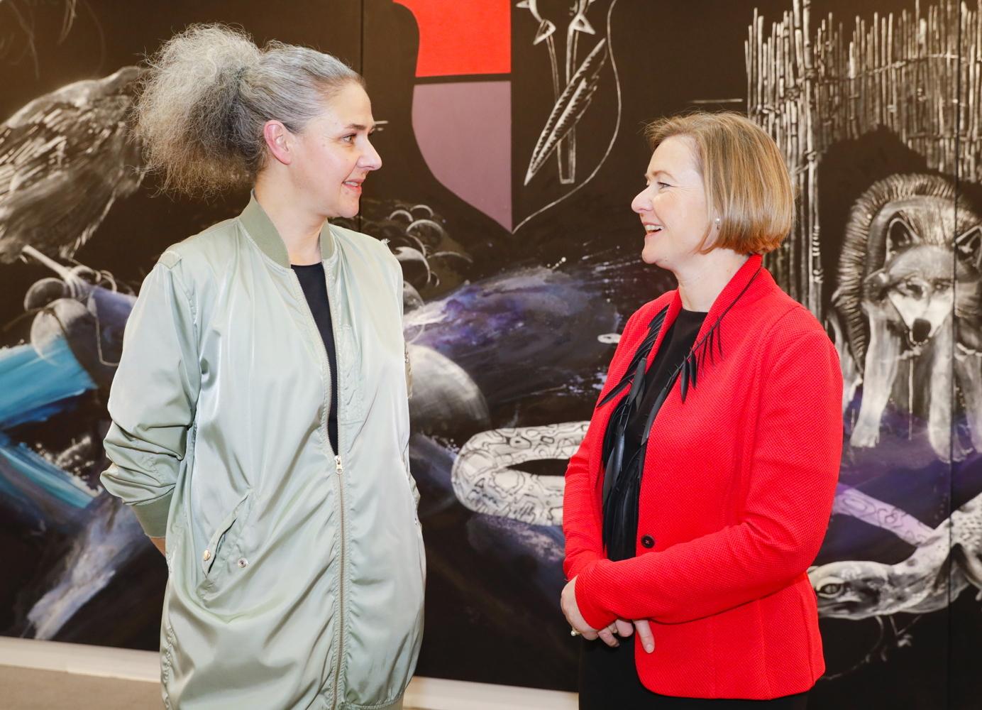 Helga Schmidhuber im Gespräch mit Britt Wirtz